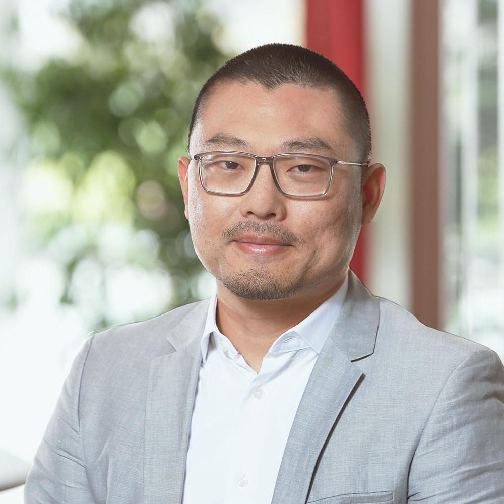 Qinchao Zhang